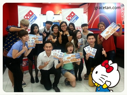 Omy bloggers at Domino's