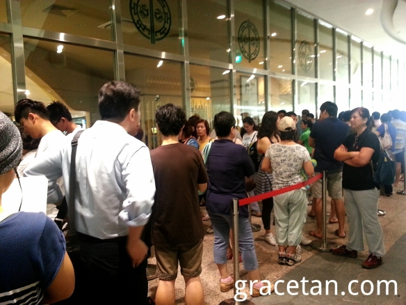 Tim Ho Wan Plaza Sing Dim Sum Queue
