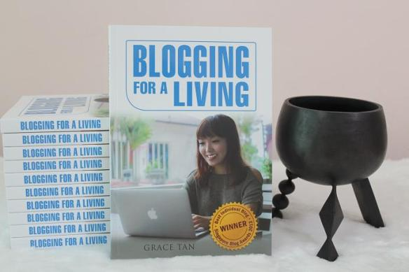 Blogging For A Living book