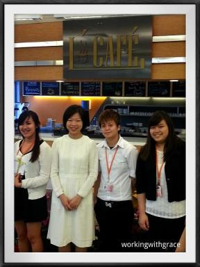 Minister Sim Ann and students at L'Cafe