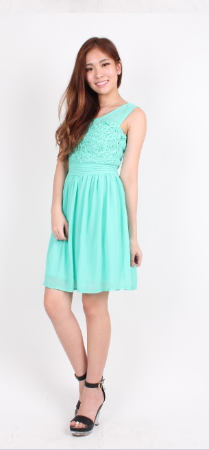 Crochet Chiffon Dress Emerald model
