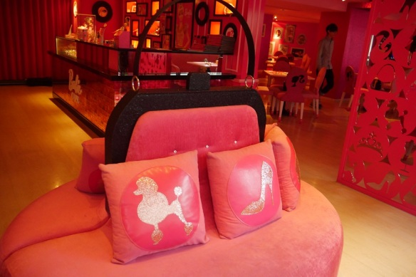 barbie cafe taiwan