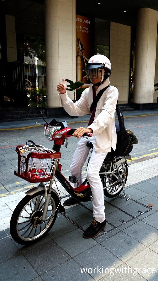 Up Close With An Electric Bike In Singapore D Working