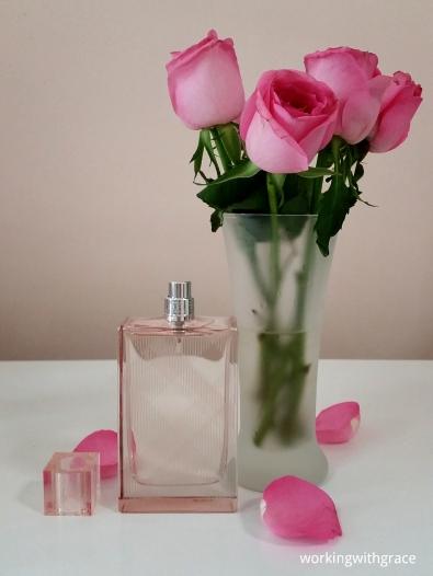 E'AURA perfumes online Burberry Brit Sheer