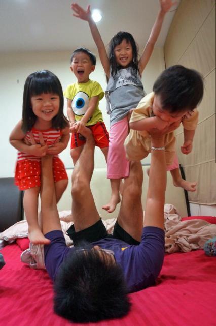 Steven Teo family blogger