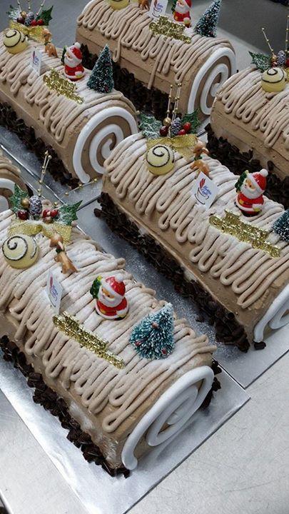 Metta Cafe christmas logcake