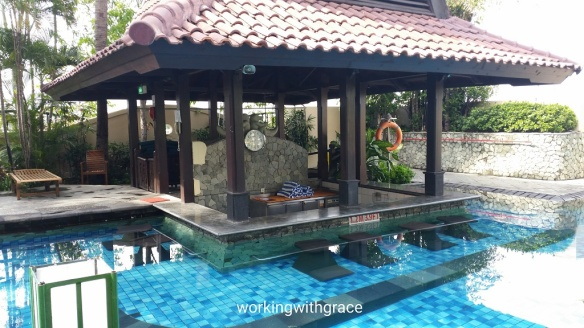 Sheraton Surabaya Hotel and Towers poolbar