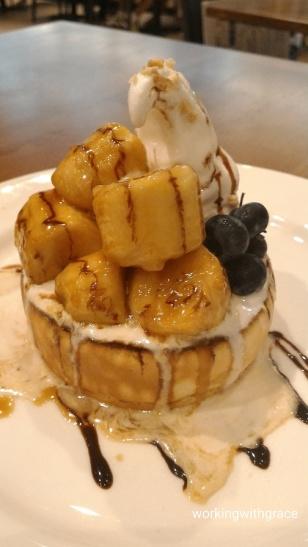Miam Miam Caramelised Bananas Pancake