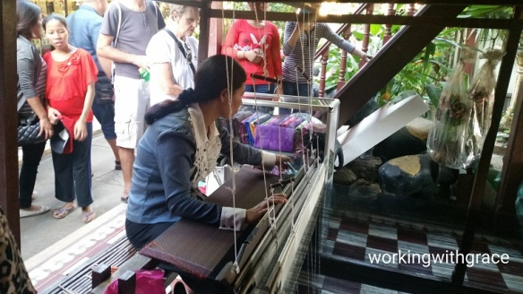 Weaving cloth at the Royal Palace
