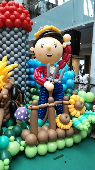 Farmer Balloon Sculpture