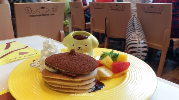 pompompurin cafe pancake tower
