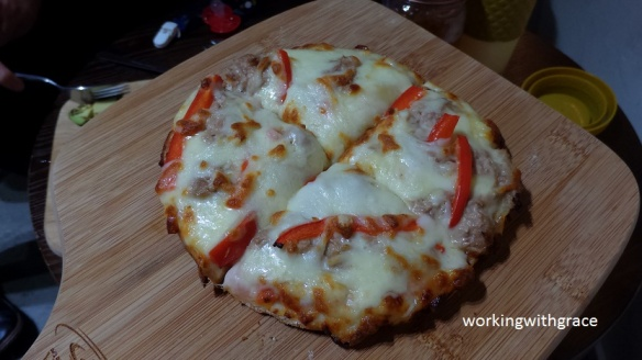 Tvoila Cafe pizza