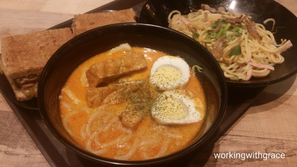 Heavenly Wang Laksa