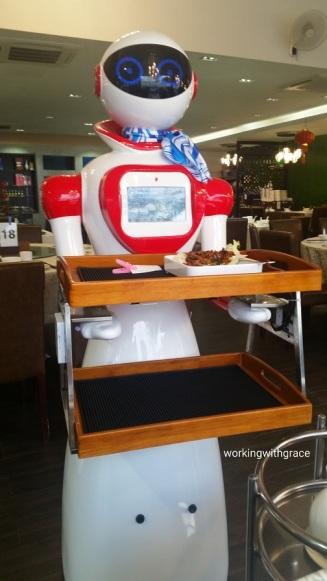 rong heng seafood robot restaurant