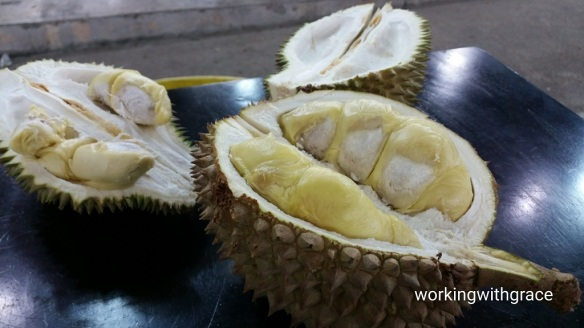 JB Durians outside Sutera Mall