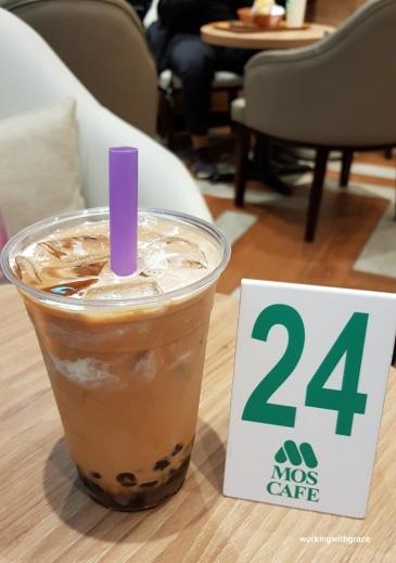 mos cafe bubble milk tea