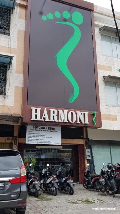 harmoni massage near fox harris hotel