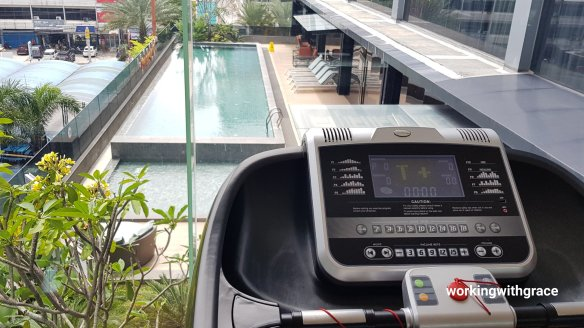 novotel pekanbaru gym and pool