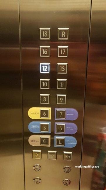 novotel pekanbaru hotel lift