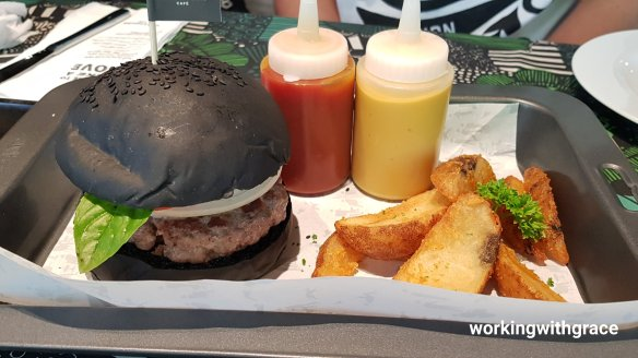 greyhound cafe buffalo burger