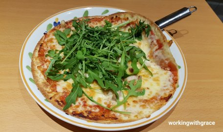 saizeriya rucola pizza