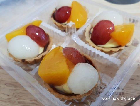 huff & puff fruit tarts